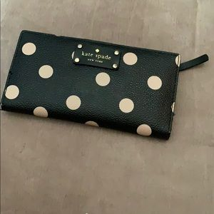 Polka dot Kate spade wallet